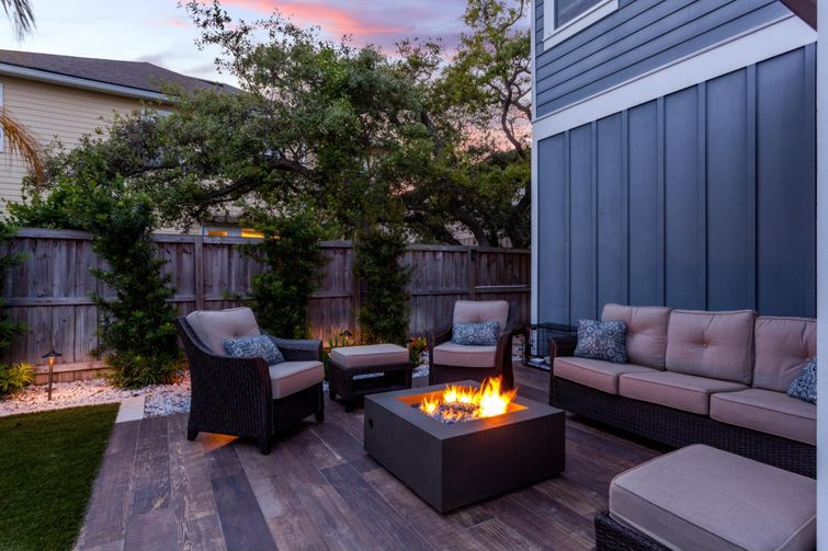 Conversation area with a propane fire pit.