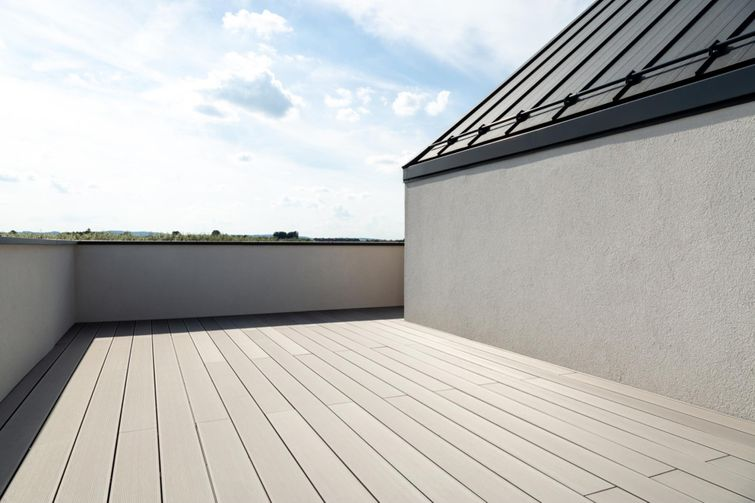 Compliment your house's colour scheme with over 50 types of composite materials available.