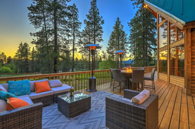 Add mats or rugs to your deck to be able to walk on more comfortably.